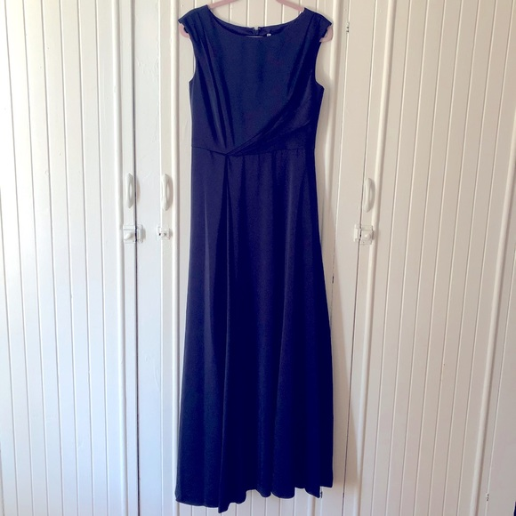 WHITNEY cap sleeve gown by Kay Unger
